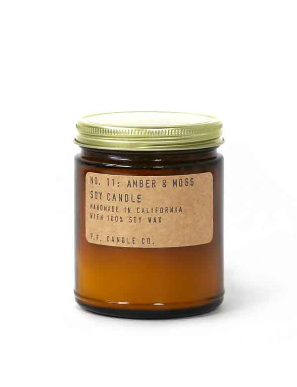 P.F. Candle co - Bougie parfumée n°11 - Amber & Moss
