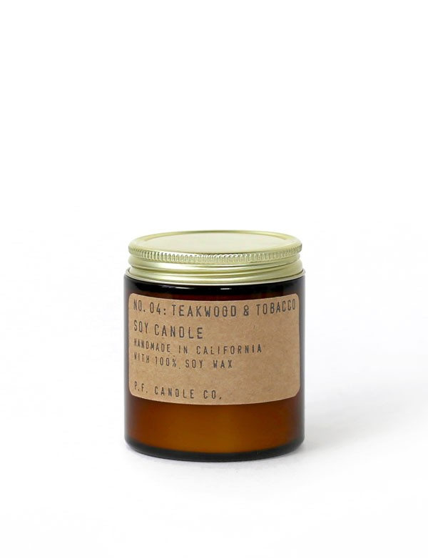 P.F. Candle Co - Bougie parfumée n° 04 - Teakwood & Tobacco