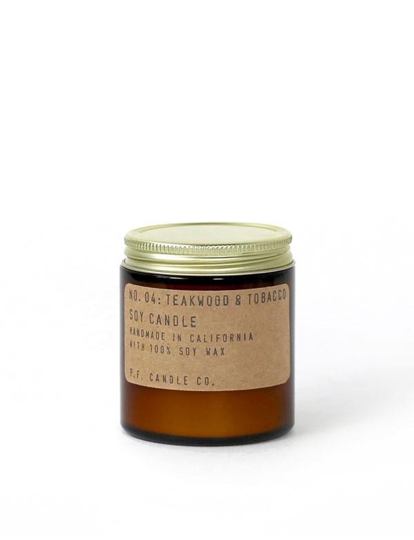 P.F. Candle Co - Bougie parfumée n° 04 - Teakwood & Tobacco